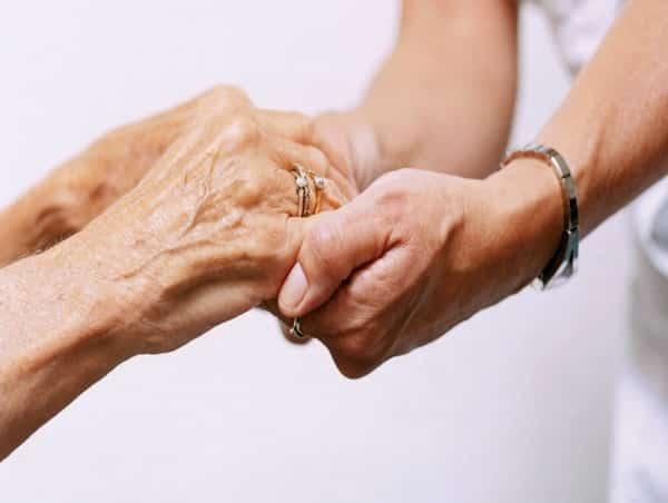 Respecter la dignité de nos anciens :
